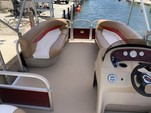 20 ft. Sun Tracker by Tracker Marine Party Barge 18 DLX Signature w/60ELPT 4-S Pontoon Boat Rental The Keys Image 10