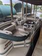 22 ft. Sun Tracker by Tracker Marine Party Barge 20 Classic w/60ELPT 4-S Pontoon Boat Rental N Texas Gulf Coast Image 4