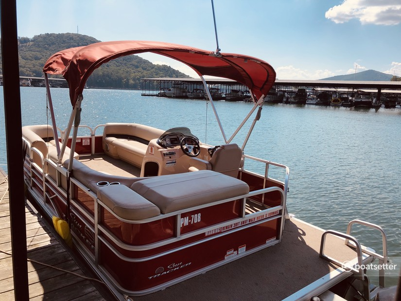Rent a Sun Tracker by Tracker Marine pontoon in Cartersville, GA near me
