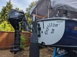 23 ft. Hutchins Compaq 23/3 Classic Boat Rental Portland Image 4