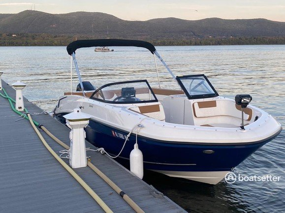Rent a Bayliner bow rider in Englewood Cliffs, NJ near me