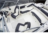 19 ft. Stingray Boats 191DC w/F90 Yamaha Bow Rider Boat Rental Tampa Image 3