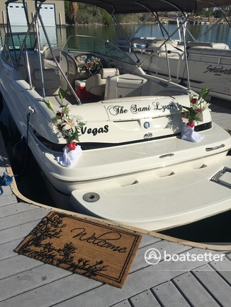 Rent a Maxum deck boat in Henderson, NV near me