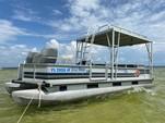 21 ft. Bass tracker party barge pontoon Pontoon Boat Rental Tampa Image 4