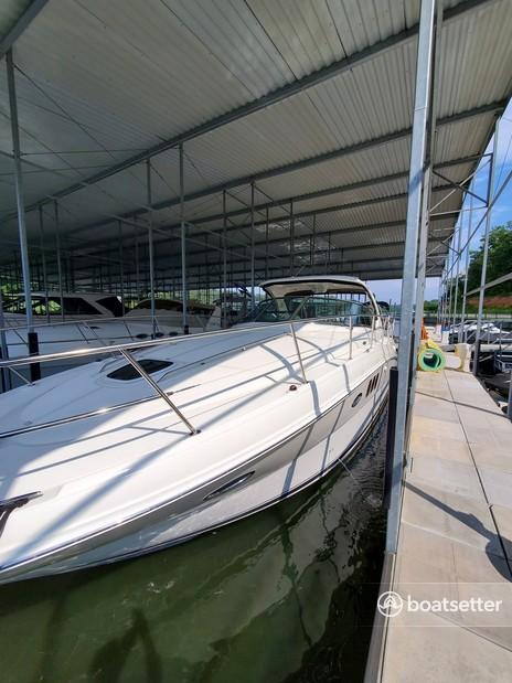 Rent a Sea Ray Boats motor yacht in Jasper Township, MO near me