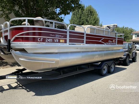 Rent a Sun Tracker by Tracker Marine pontoon in Sacramento, CA near me