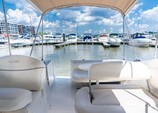 26 ft. Maxum 2500 SCR Cruiser Boat Rental Washington DC Image 4