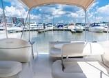 26 ft. Maxum 2500 SCR Cruiser Boat Rental Washington DC Image 4