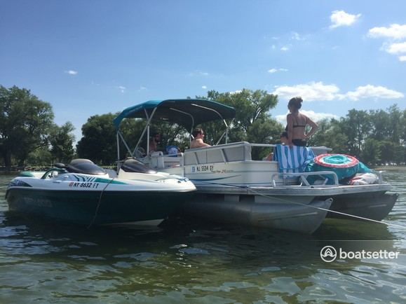 Rent a Sun Tracker by Tracker Marine pontoon in Brick Township, NJ near me