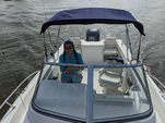22 ft. Sea Hunt Boats Victory 225 Walkaround Boat Rental Charleston Image 4