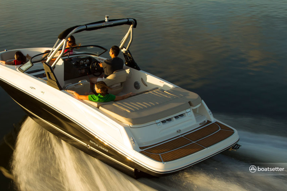 Rent a Bayliner bow rider in South Lake Tahoe, CA near me