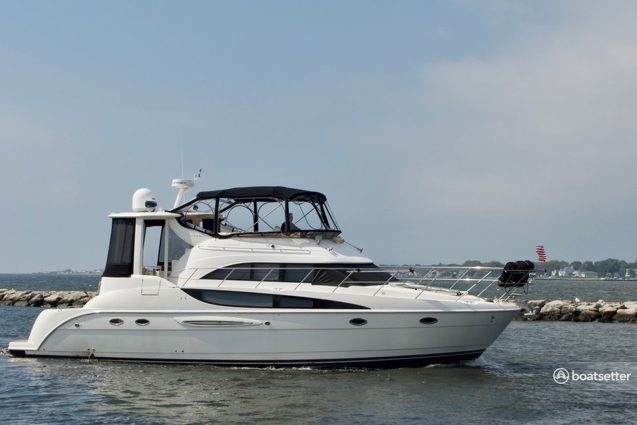 Rent a Meridian Yachts motor yacht in Patchogue, NY near me