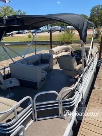 Rent a Sun Tracker by Tracker Marine pontoon in Fort Worth, TX near me