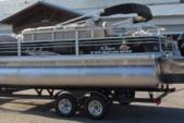 24 ft. Sun Tracker by Tracker Marine Fishin' Barge 22 XP3 w/150ELPT 4-S Pontoon Boat Rental Dallas-Fort Worth Image 3