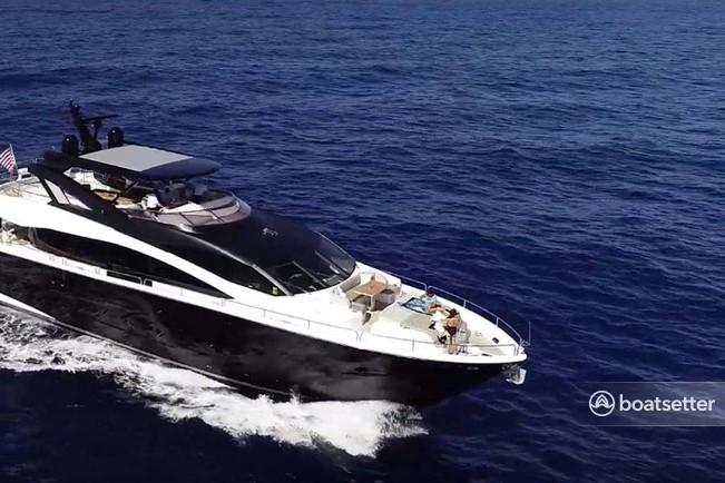 Rent a Sunseeker motor yacht in Kings Point, NY near me