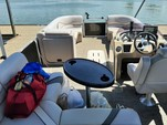 23 ft. SunCatcher/G3 Boats V322F/C Vinyl w/F150LA Pontoon Boat Rental Dallas-Fort Worth Image 3