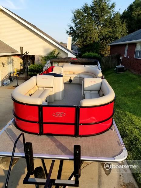 Rent a Bentley pontoon in Destin, FL near me