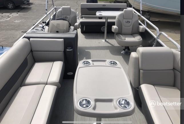 Rent a Princecraft pontoon in Harrison charter Township, MI near me