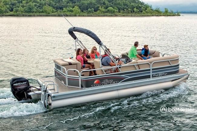 Rent a Sun Tracker by Tracker Marine pontoon in Seabrook, TX near me