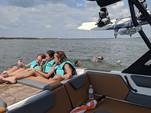 22 ft. hey day WT2 DC Cruiser Boat Rental N Texas Gulf Coast Image 9