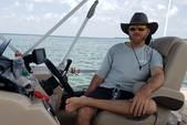 22 ft. Sun Tracker by Tracker Marine Fishin' Barge 22 XP3 w/150ELPT 4-S Pontoon Boat Rental Fort Myers Image 15