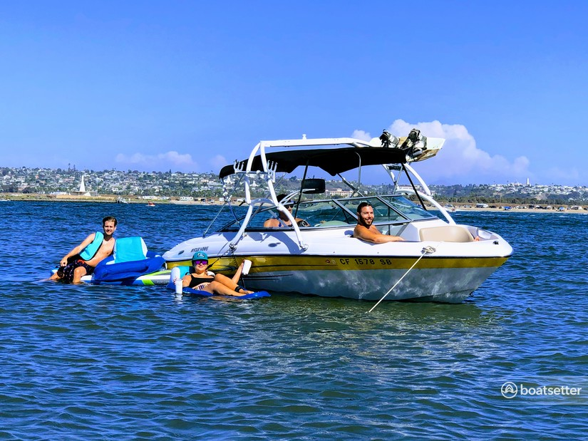 Rent a Four Winns Boats ski and_wakeboard in San Diego, CA near me
