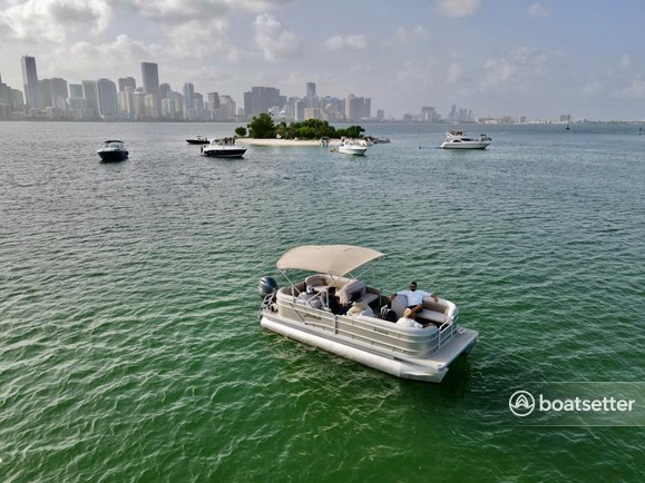 Rent a Godfrey Marine pontoon in Hollywood, FL near me