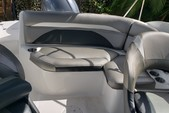 22 ft. HURRICANE BOATS SD 2200 DC OB Bow Rider Boat Rental Miami Image 11