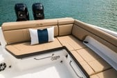 29 ft. Sea Ray Boats 290 Sundeck Cruiser Boat Rental New York Image 14