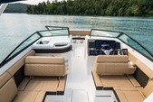 29 ft. Sea Ray Boats 290 Sundeck Cruiser Boat Rental New York Image 10