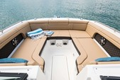 29 ft. Sea Ray Boats 290 Sundeck Cruiser Boat Rental New York Image 16