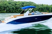 29 ft. Sea Ray Boats 290 Sundeck Cruiser Boat Rental New York Image 3