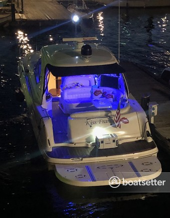 Rent a Sea Ray Boats bow rider in Kirkland, WA near me