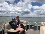 20 ft. Sun Tracker by Tracker Marine Party Barge 20 DLX w/40ELPT 4-S Pontoon Boat Rental N Texas Gulf Coast Image 4
