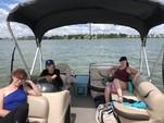20 ft. Sun Tracker by Tracker Marine Party Barge 20 DLX w/40ELPT 4-S Pontoon Boat Rental N Texas Gulf Coast Image 5