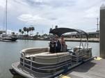 20 ft. Sun Tracker by Tracker Marine Party Barge 20 DLX w/40ELPT 4-S Pontoon Boat Rental N Texas Gulf Coast Image 6