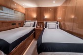 82 ft. Sunseeker Manhattan Flybridge Boat Rental Miami Image 8