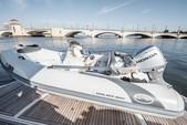 82 ft. Sunseeker Manhattan Flybridge Boat Rental Miami Image 17