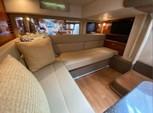 39 ft. Sea Ray Boats 390 Sundancer IB Cruiser Boat Rental New York Image 4