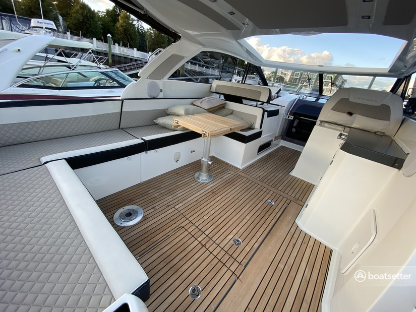 Rent a JEANNEAU cruiser in Hampton Bays, NY near me