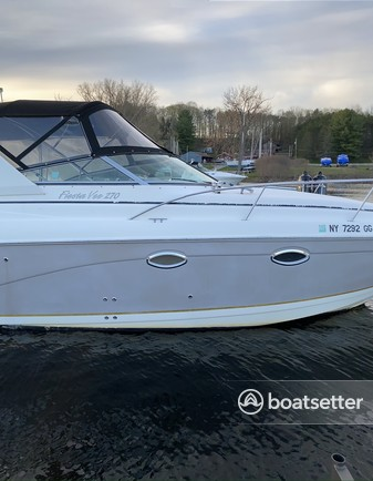 Rent a Rinker Boats express cruiser in Schenectady, NY near me