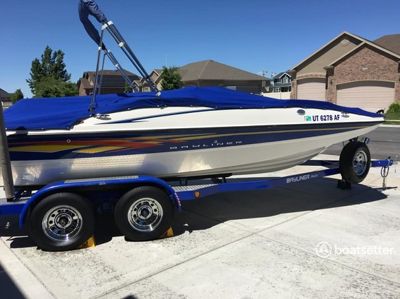 Rent a Bayliner ski and wakeboard in Farmington, UT near me