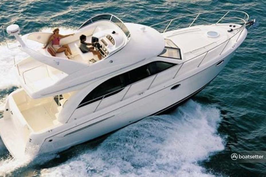 Rent a Meridian Boats cruiser in Miami, FL near me
