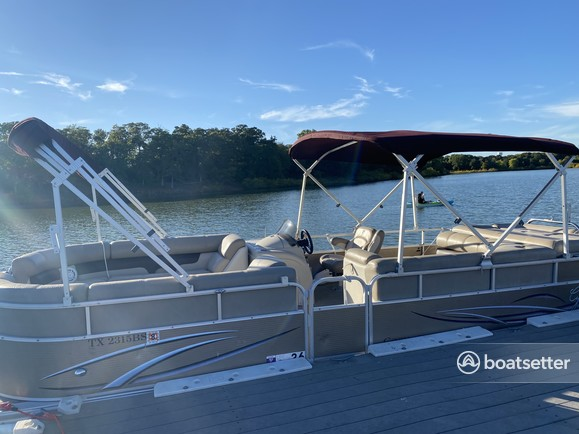 Rent a Cypress Cay pontoon in Lewisville, TX near me