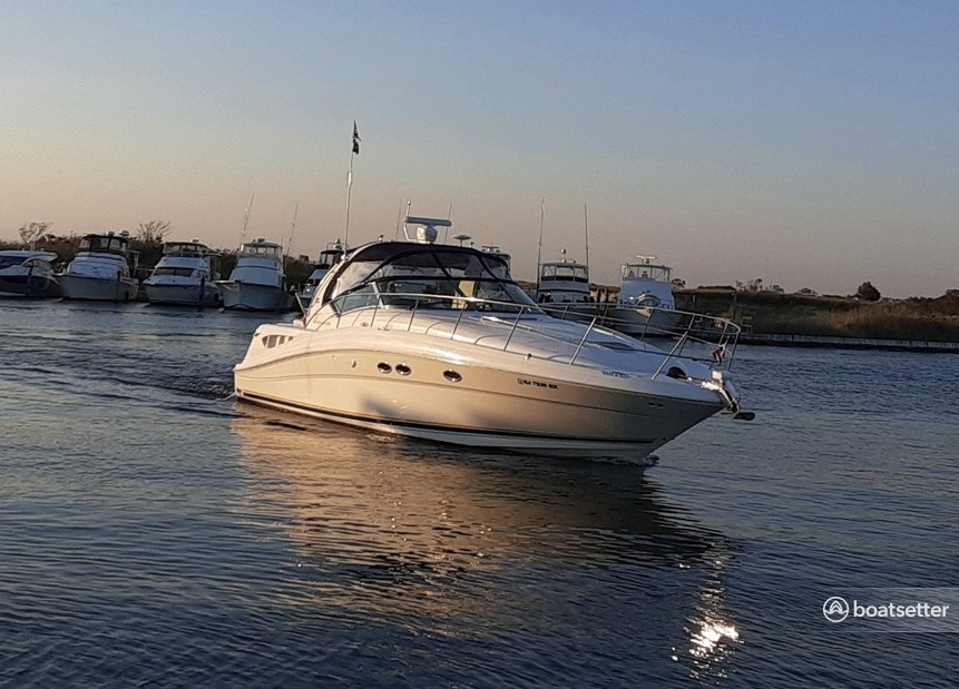 Rent a Sea Ray Boats cruiser in Patchogue, NY near me