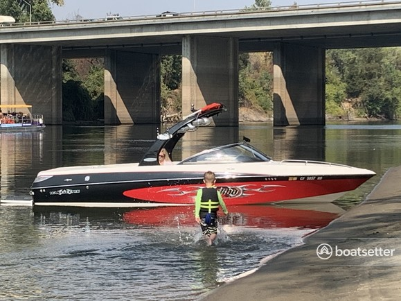 Rent a Malibu Boats ski and wakeboard in Sacramento, CA near me