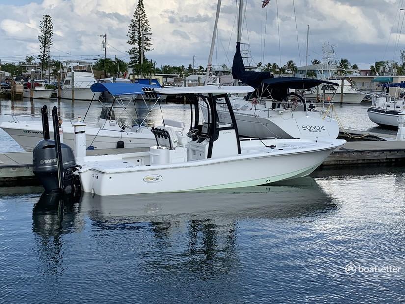 Rent a Sea Hunt Boats center console in Key Largo, FL near me