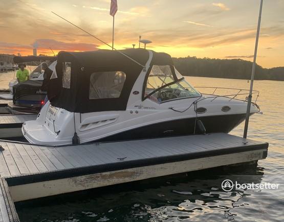Rent a Sea Ray Boats cruiser in Cornelius, NC near me