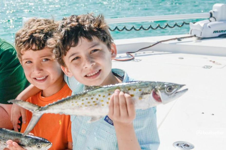 Rent a Sea Hunt Boats flats boat in Destin, FL near me
