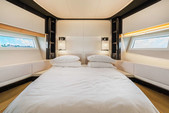 77 ft. 77' Azimut S Flybridge Boat Rental Miami Image 17